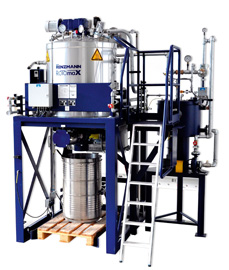 Renzmann says that the Rotomax-e 20 vaporizes and condenses used solvent in a sustainable process, minimizing the quantity of highly viscous waste.